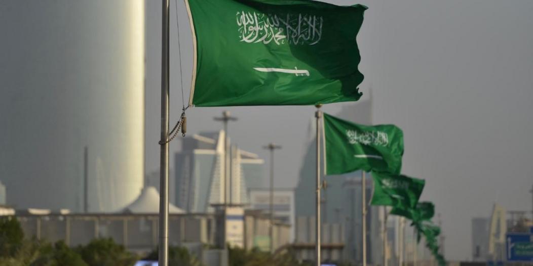 شاهد بالصور.. الرياض تتوشح بالأخضر استعدادًا للاحتفال باليوم الوطني