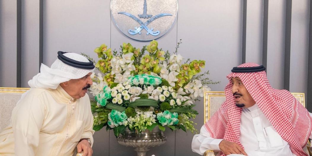 ملك البحرين يهنئ الملك سلمان على التنظيم الدقيق والناجح لشعيرة الحج