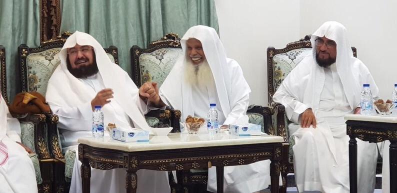 فيديو وصور.. السديس يزور الشيخ علي الحذيفي في منزله ...