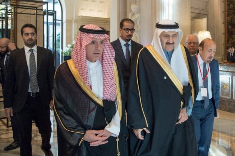 نيابة عن الملك سلمان.. منصور بن متعب يشارك في تشييع جاك شيراك