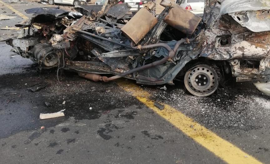 صور.. 3 وفيات وإصابة حرجة في تصادم مروع بدولي جازان