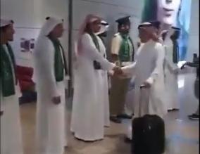 فيديو.. كيف استقبل مطار دبي رحلة الرياض احتفاءً باليوم الوطني للمملكة؟ - المواطن