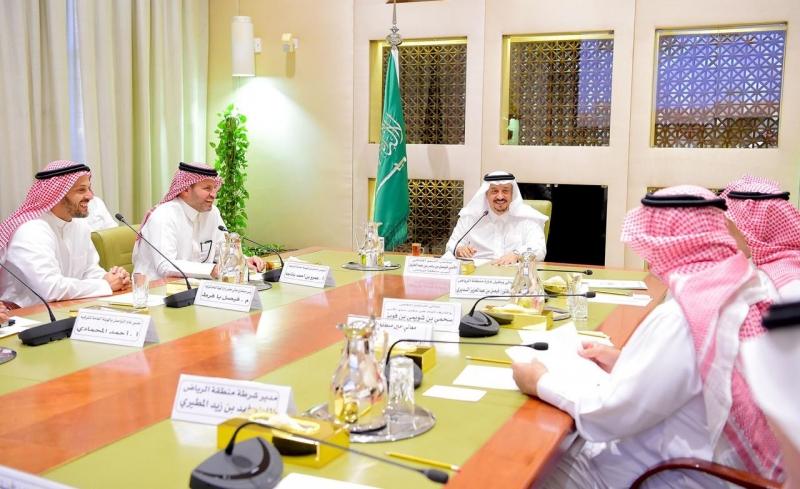 فيصل بن بندر يطلع على استعدادات الترفيه لـ اليوم الوطني 89 وموسم الرياض - المواطن