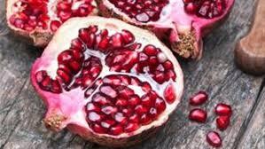 علماء يكتشفون علاج الشيخوخة في نوعين من الفواكه