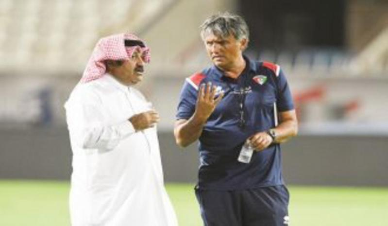 إعفاء مدرب الكويت من منصبه بعد ثلاثية أستراليا