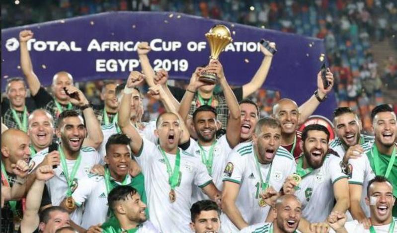 استدعاء 5 لاعبين من دوري محمد بن سلمان للمحترفين لقائمة الجزائر