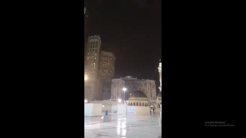 فيديو.. أمطار الخير على الحرم المكي