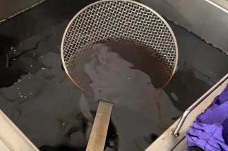 إتلاف طن و200 كيلو مواد غذائية فاسدة في مكة 2