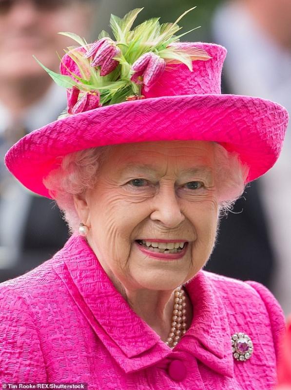 ابنة سائق شاحنة تساعد ملكة بريطانيا على تحقيق الأمنية السرية - المواطن