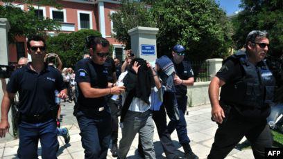 تركيا تعتقل 24 مغردًا عارضوا العدوان على سوريا