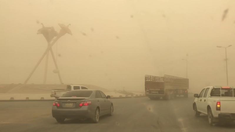 العمليات الأمنية تحذر من غبار طريق رنية الخرمة