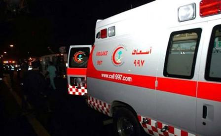 إصابة قائد مركبة اصطدم بحاجز خرساني بالجموم