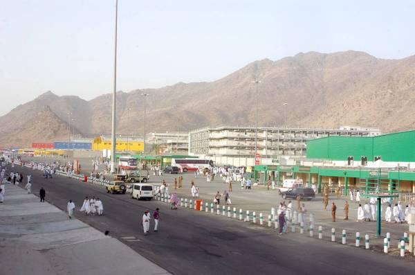 إصابات بعد تصادم مركبتين على جسر الملك فيصل - المواطن