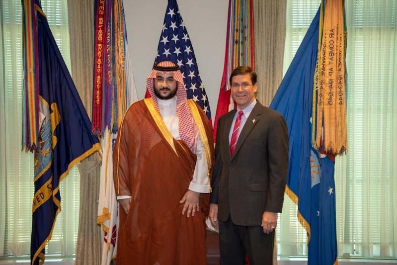 خالد بن سلمان يناقش التحديات المشتركة مع وزير الدفاع الأمريكي