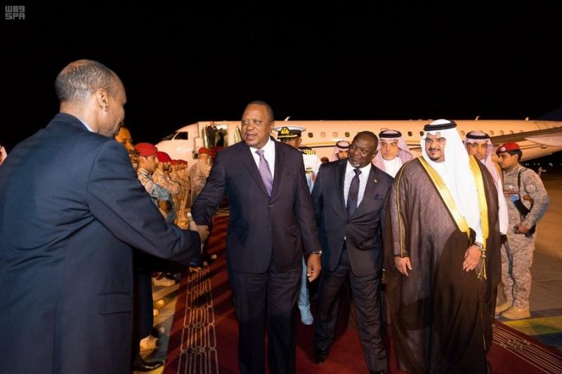 رئيس كينيا يصل الرياض ومحمد بن عبدالرحمن في استقباله - المواطن