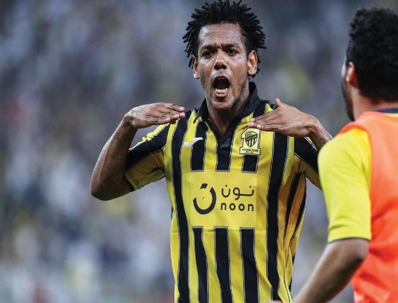 رومارينيو وأسبريلا يتنافسان على صدارة هدافي كأس محمد السادس