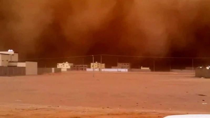 مدني حائل: احذروا الغبار