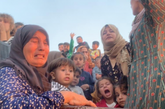 لقطات صادمة لفرار آلاف المدنيين من شمال سوريا بعد عدوان تركيا - المواطن