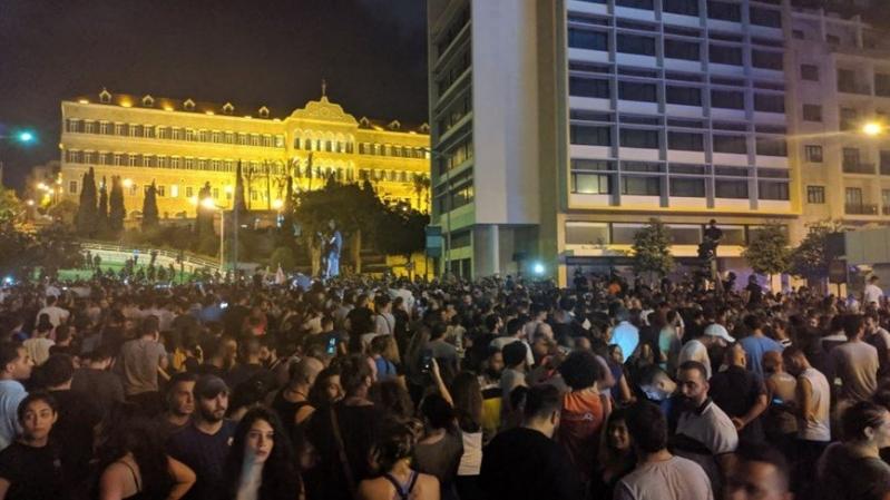 وزيرة الداخلية اللبنانية تناشد المتظاهرين: لا تتعرضوا للمدني