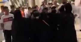 فيديو.. مشاجرة نسائية عنيفة في مول!