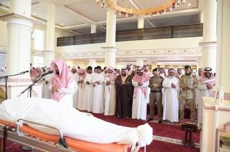 نائب أمير جازان يتقدم مشيعي الشهيد مجممي - المواطن