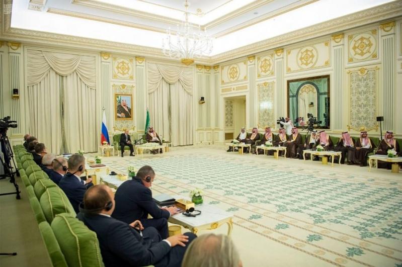 محمد بن سلمان وبوتين يترأسان اجتماع اللجنة الاقتصادية السعودية الروسية