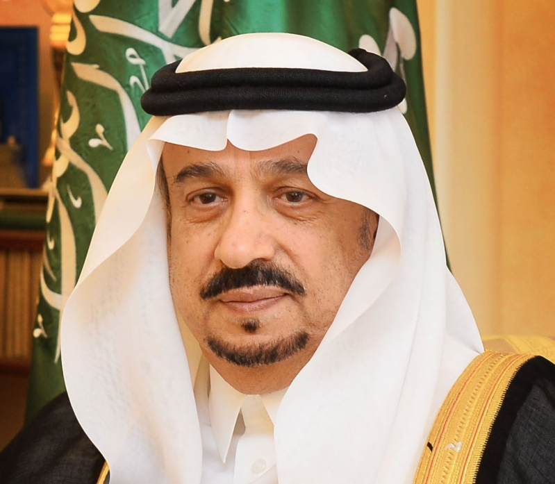أمير الرياض في توجيه صارم للمسؤولين : امنعوا التجمعات وأغلقوا المجمعات