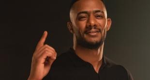 طيار يبكي على الهواء: سأقاضي محمد رمضان