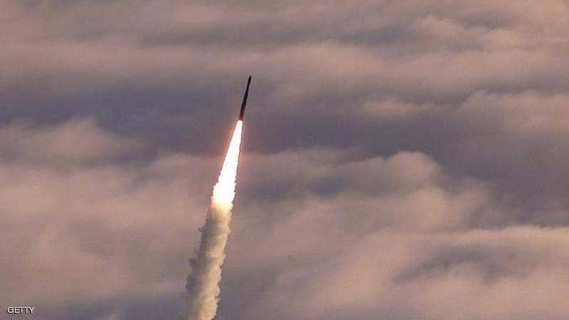 أمريكا تجري اختبارًا لصاروخ عابر للقارات