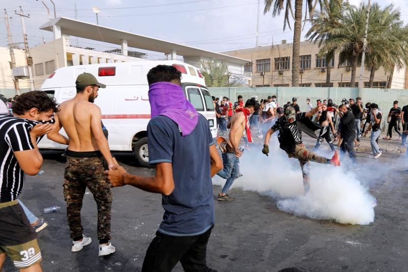 حزمة قرارات للتهدئة بالعراق وعبدالمهدي يتعهد بمحاسبة الفاسدين - المواطن