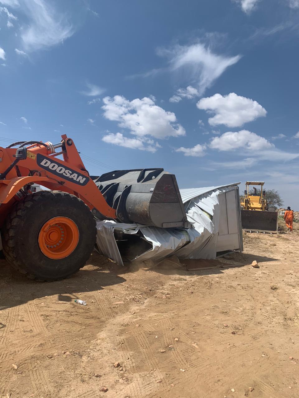 إزالة إحداثات بمساحة أكثر من 37 ألف متر في أحد رفيدة - المواطن