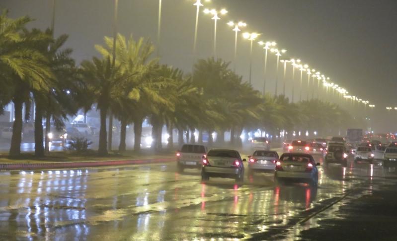 صقيع غدًا مع أمطار وغبار