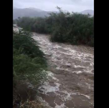 شاهد.. جريان السيول والأودية في أضم بعد أمطار الثلاثاء