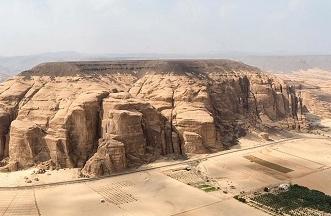 بالصور.. فريق آثار عالمي يستكشف أسرار منطقة العلا - المواطن