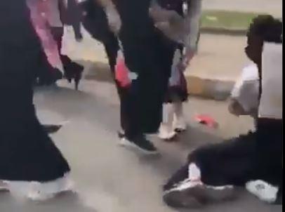 فيديو .. اعتداء وحشي على طالبات في مظاهرات العراق