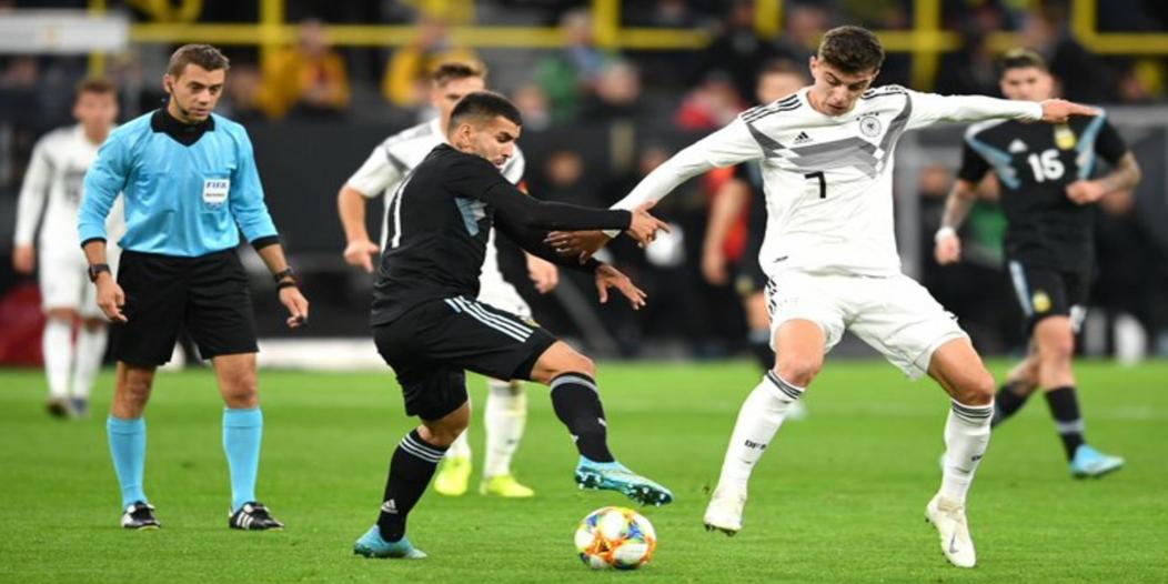 التانجو يخطف تعادلًا ثمينًا في مباراة ألمانيا ضد الأرجنتين