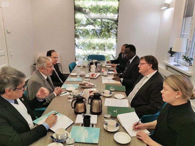 الربيعة يلتقي مسؤولي منظمة مبادرة إدارة الأزمات الفنلندية