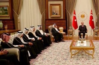 أين علم قطر؟.. صورة تثير غضب العرب بسبب انبطاح الدوحة - المواطن