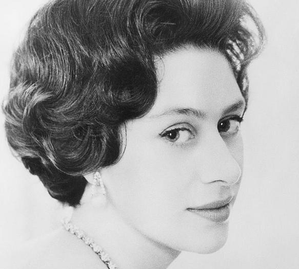 قصة صورة الملكة مارغريت في قصر كنسينغتون