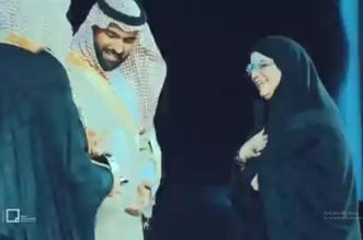 فيديو.. وزير الثقافة يكرم نخبة من الفنانين التشكيليين ضمن مسك الفنون - المواطن