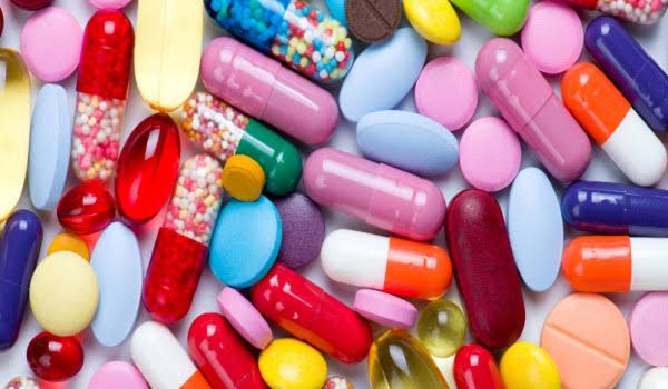 السجن وغرامة 100 ألف ريال عقوبة بيع المضادات الحيوية بدون وصفة طبية