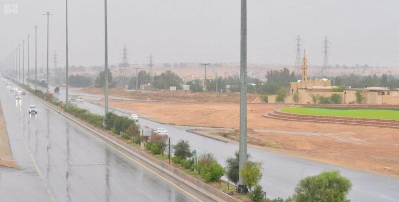 صور توثق الأجواء الحلوة بعد الأمطار