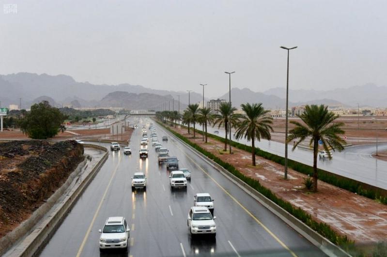 مدني حائل يحذر من تقلبات جوية الجمعة والسبت