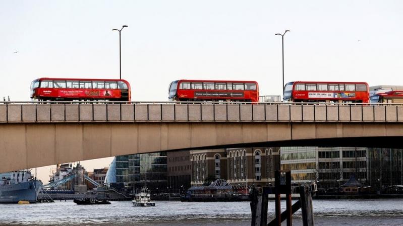 طعن مارة على جسر لندن ومقتل المهاجم