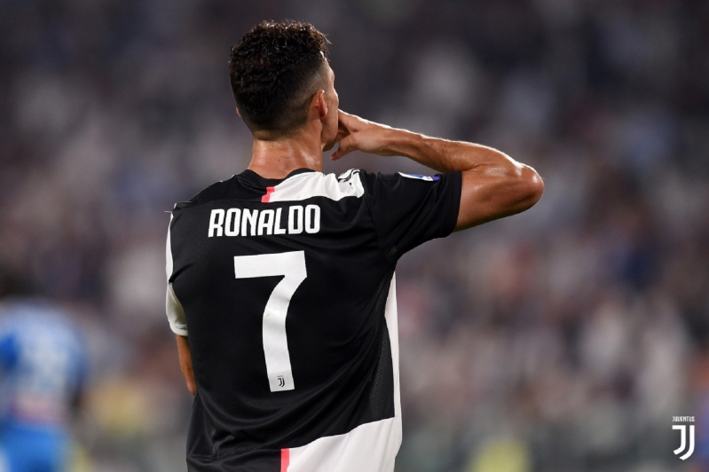 رونالدو يُنهي أزمته مع مدرب يوفنتوس