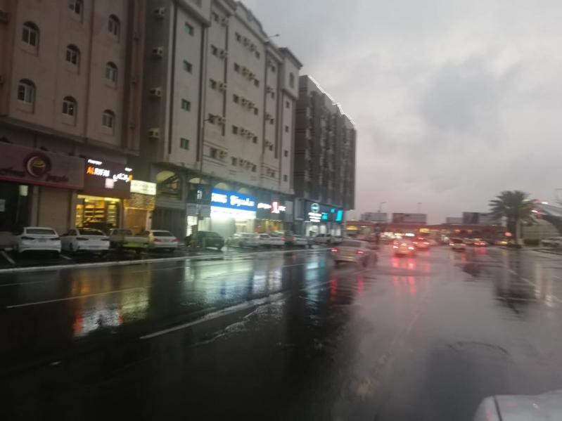 أمطار #الطائف تدفع الأهالي للتنزه