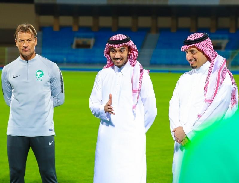 رئيس هيئة الرياضة يُهنئ المسحل ويُطالب بالتركيز أمام #البحرين
