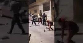 فيديو.. مشاجرة نسائية بالعصي والكراسي والحجارة! - المواطن