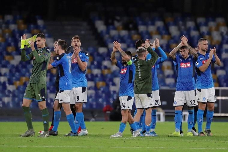 نابولي يُعلق على تمرد لاعبيه
