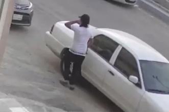 فيديو.. مجهول يشعل النار في مركبة بجدة - المواطن